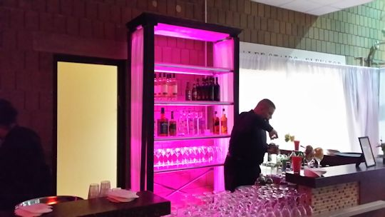 led illuminated bar back
